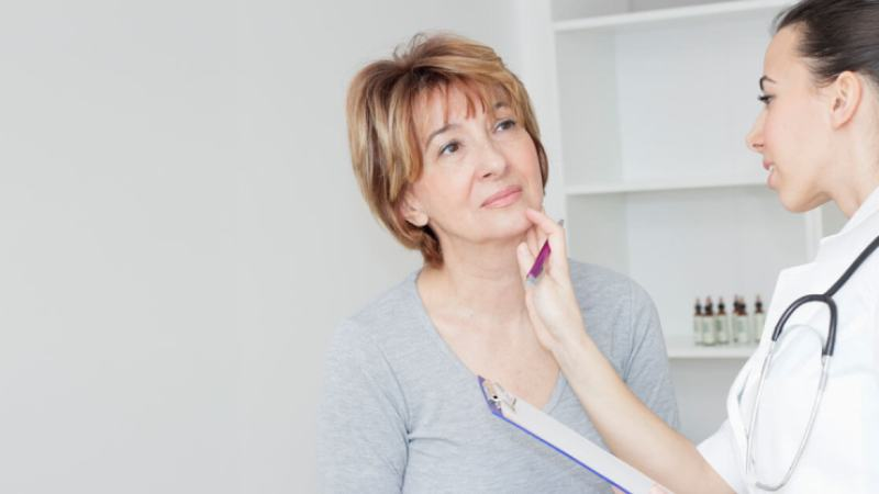 Symptoms Of Thyroid Disease: Hypothyroidism and Hyperthyroidism